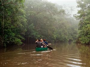 Paddeln-auf-dem-Cuyabeno-Fluss
